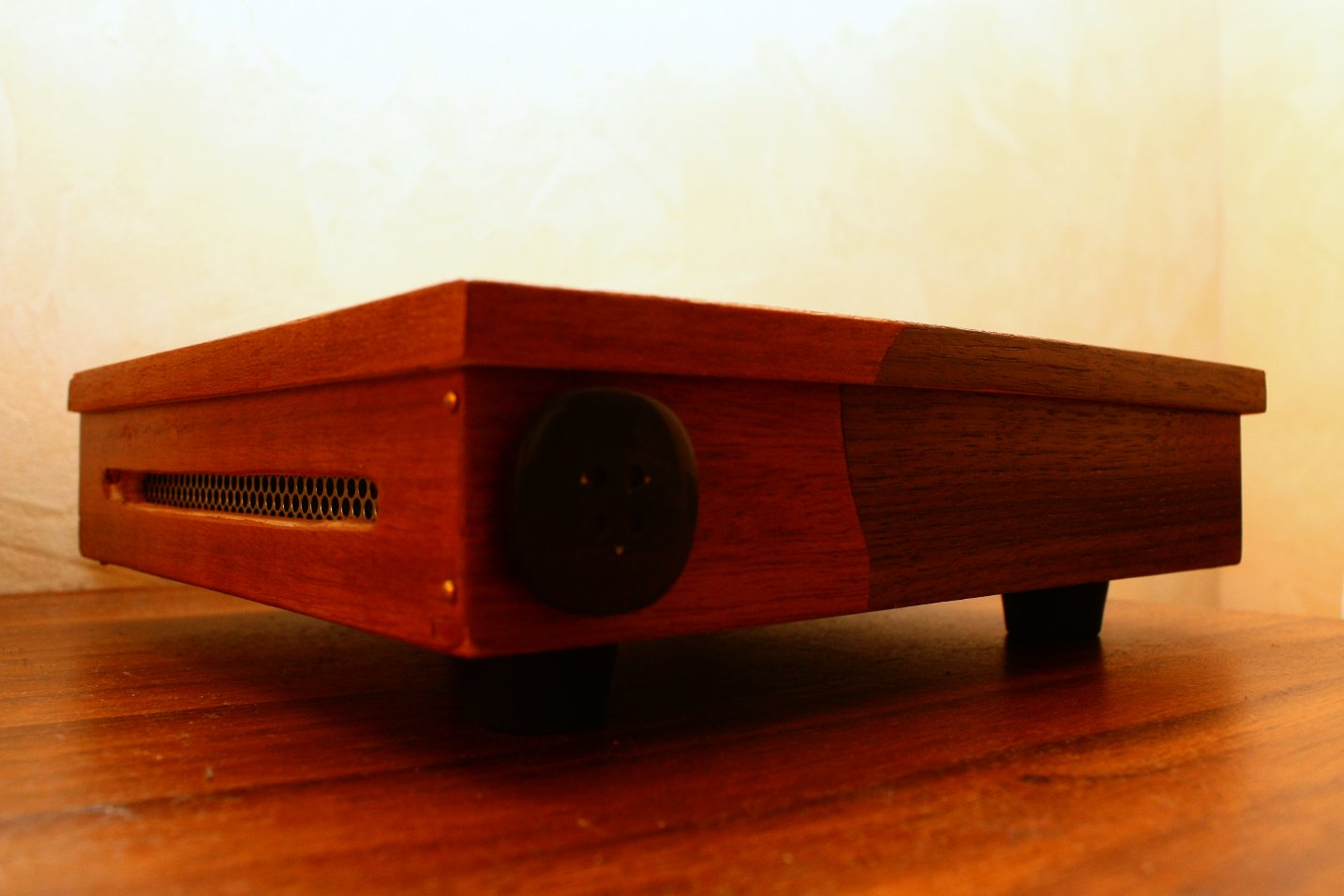 T20 Thin Client pine box made by Dominik Huber